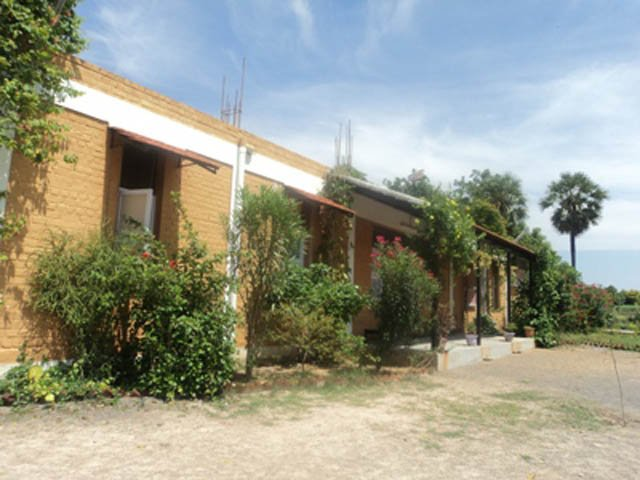 vil- school building view-1