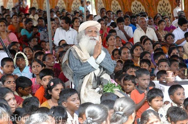 sadhguru visit with children