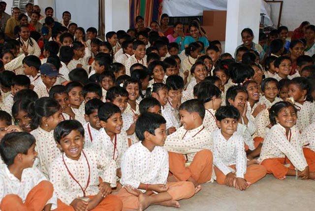 isha-vidhya-10